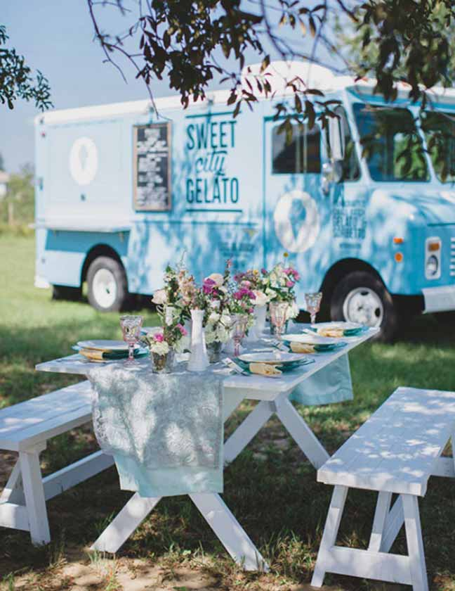 truck-table-setting